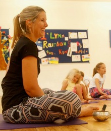 Jen Hoe Happy Kids Yoga